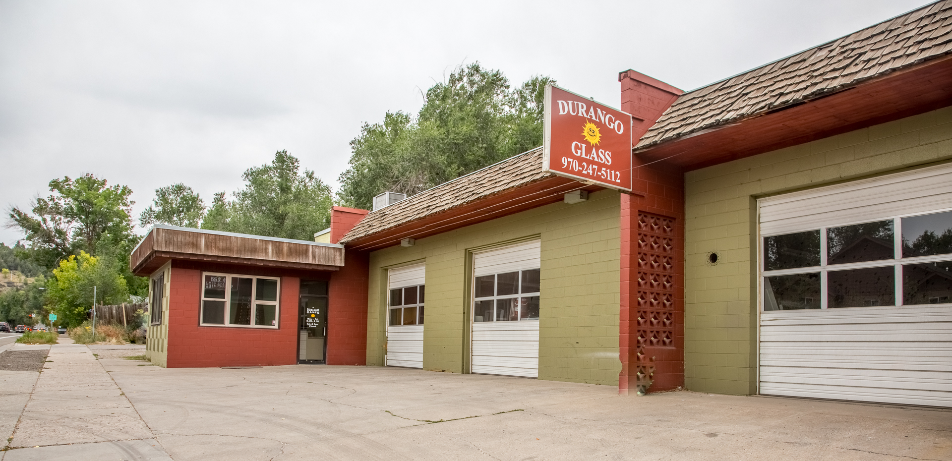 durango glass storefront building in durango colorado providing glass services like winshields
