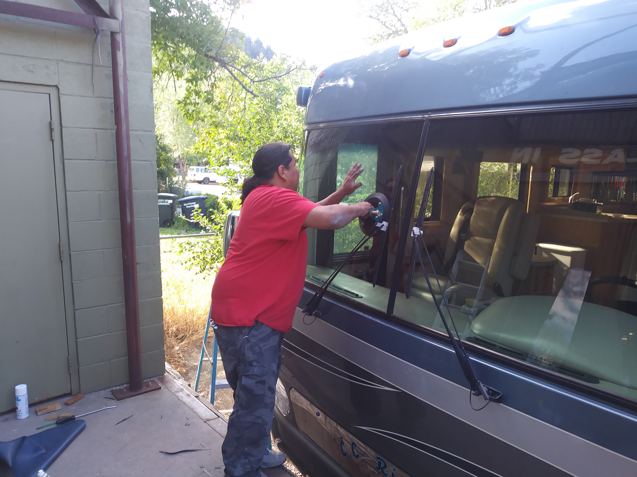 durango glass installation big window in commercial bus